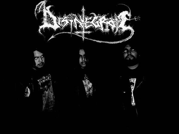 Disintegrate - Photo
