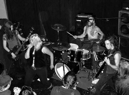 https://www.metal-archives.com/images/1/2/1/1/121174_photo.jpg