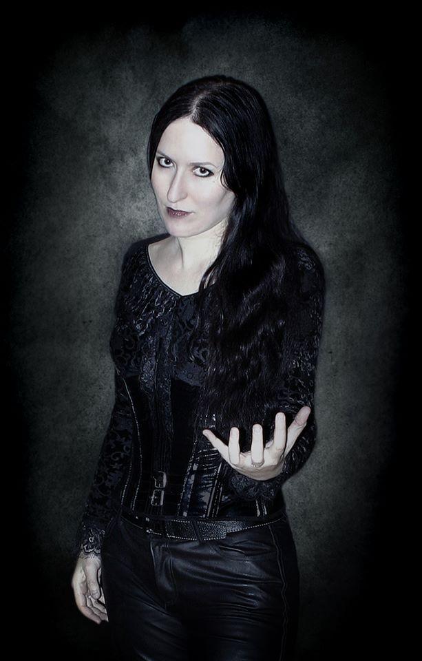 Elvira Alchemida