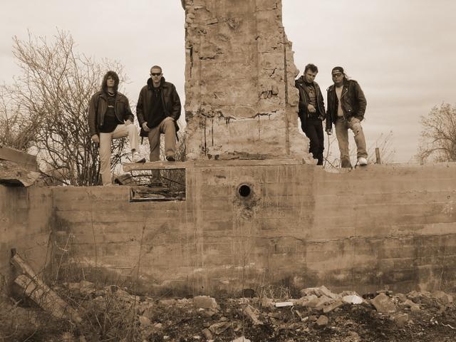 Sanctum - Photo