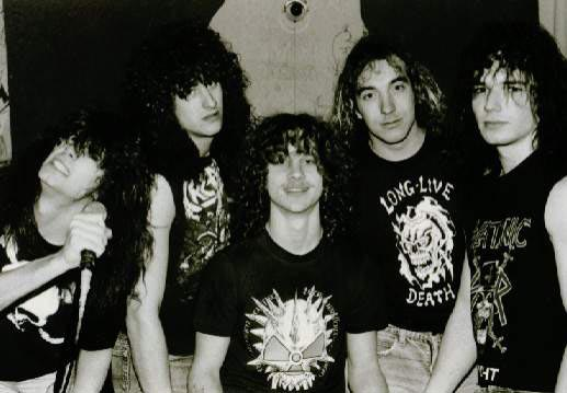 http://www.metal-archives.com/images/1/6/0/7/16071_photo.jpg?5502