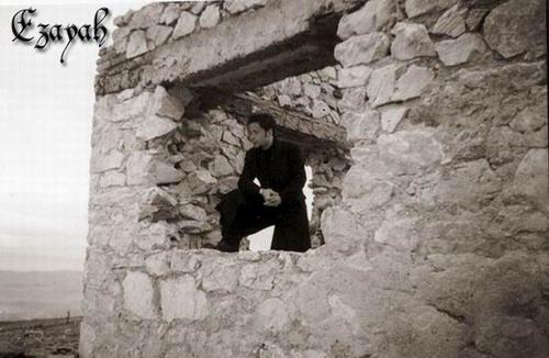 Ezayah - Photo