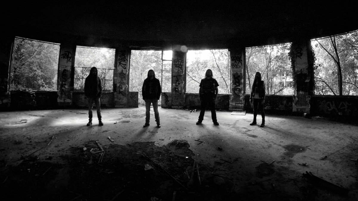 Funeralium - Photo
