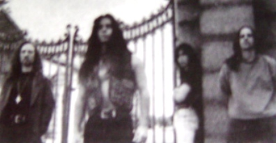 http://www.metal-archives.com/images/2/1/3/4/2134_photo.jpg