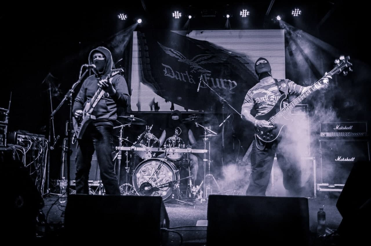 Dark Fury - Photo
