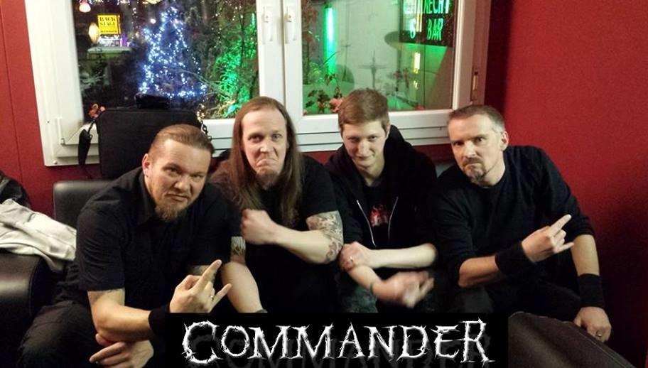 Commander - Photo