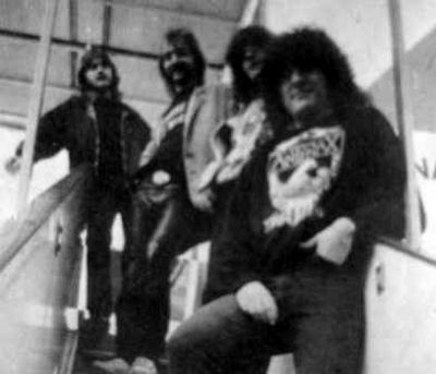 http://www.metal-archives.com/images/3/1/9/4/31946_photo.jpg
