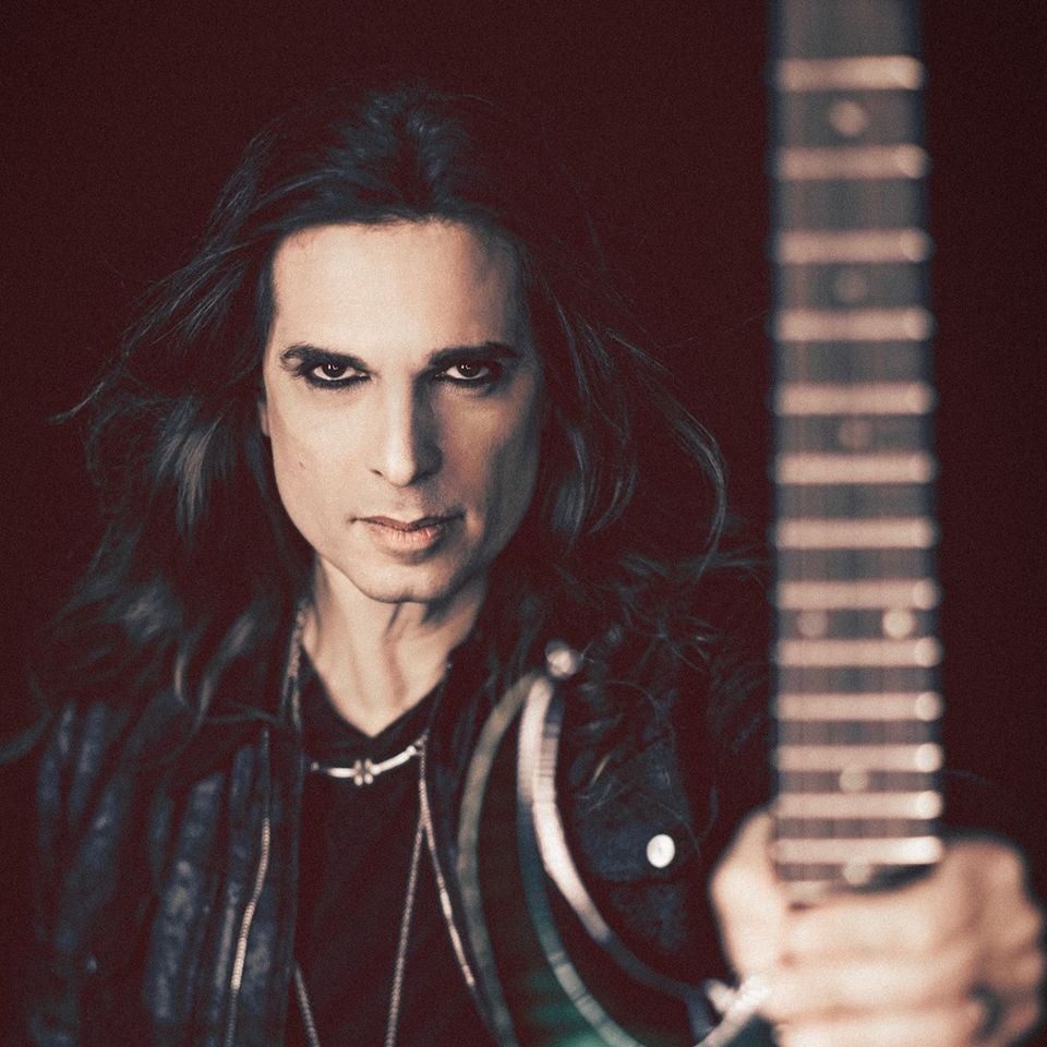 Kiko Loureiro - Photo