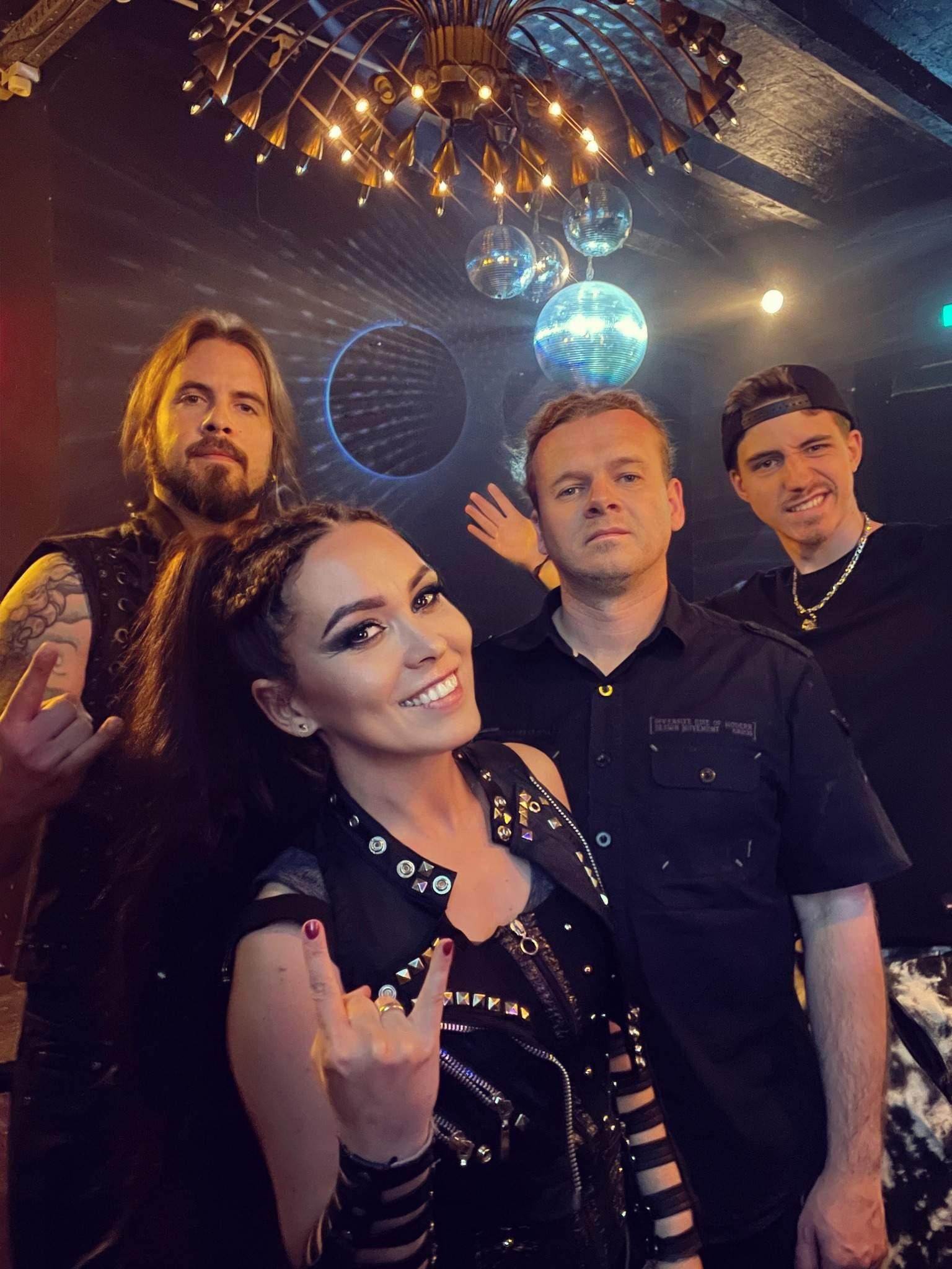 Crystal Viper - Photo