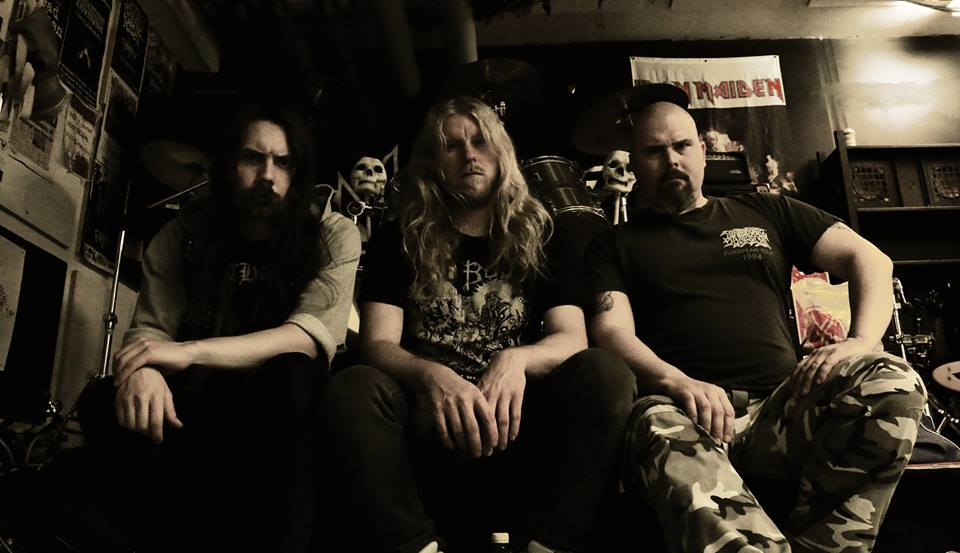 Entrench - Photo