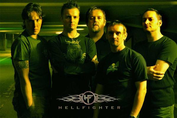 Hellfighter - Photo
