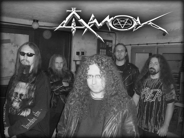 Amok - Photo