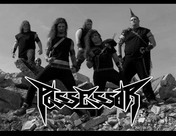 Possessor - Photo