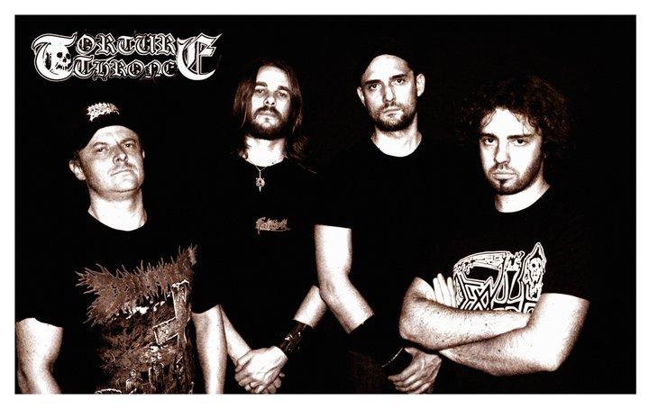 Torture Throne - Photo