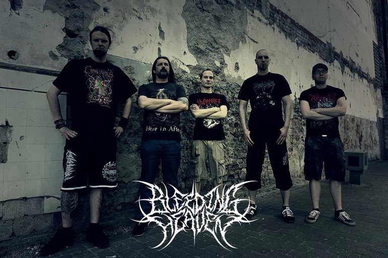 Bleeding Heaven - Photo