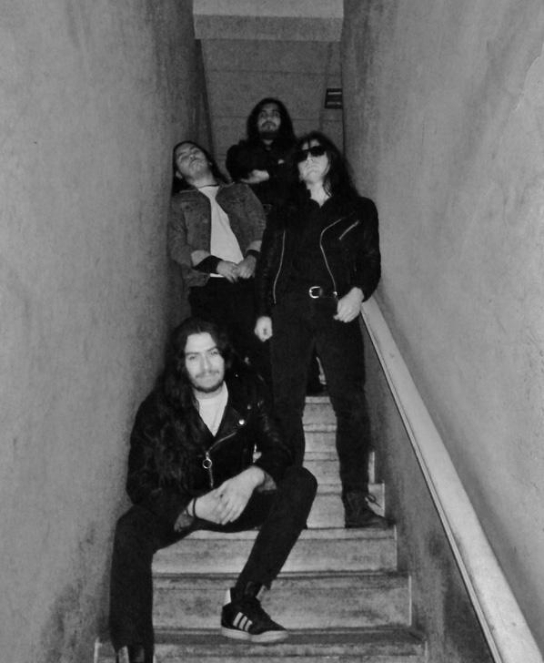 Metal Grave - Photo