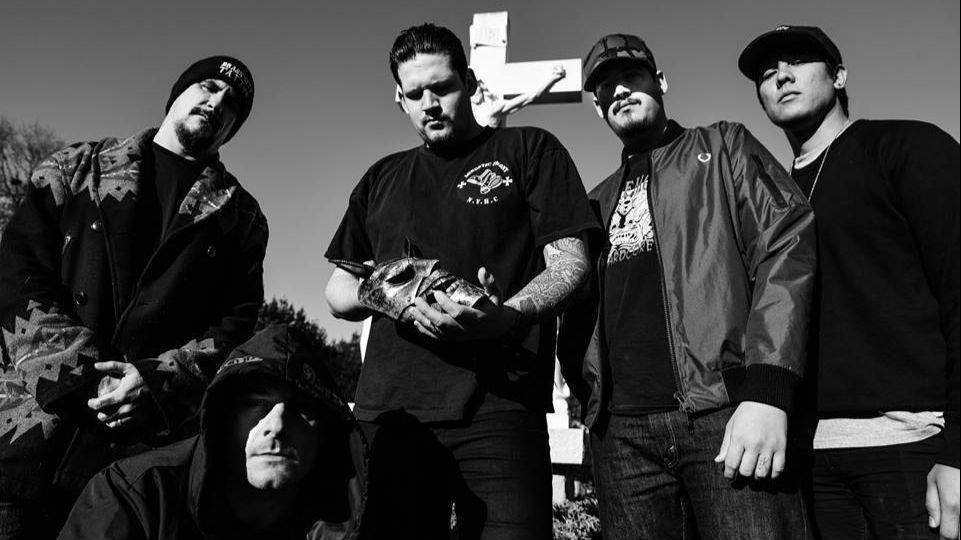 Twitching Tongues - Photo