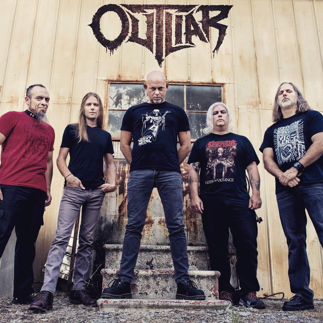 Outliar - Photo