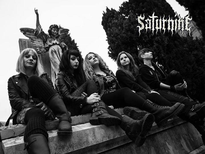 Saturnine - Photo