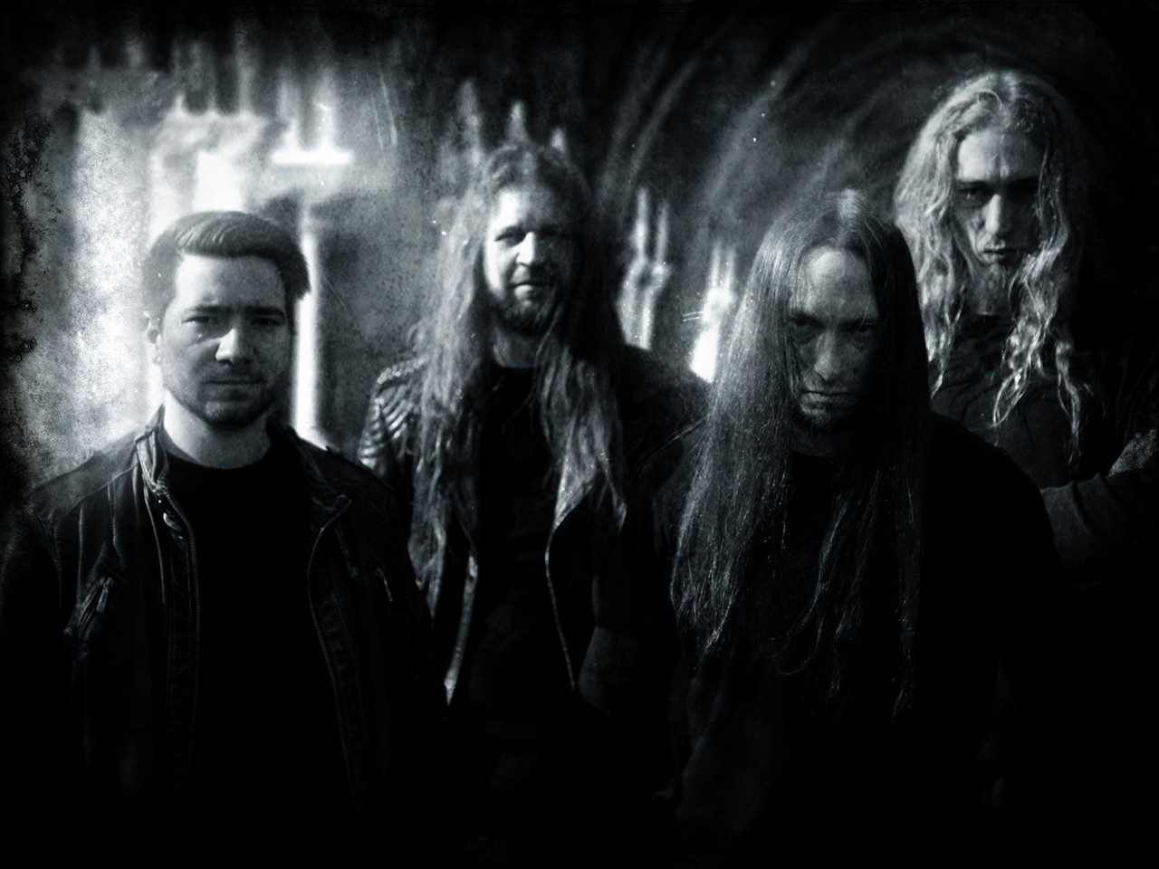 Wolves Den - Photo
