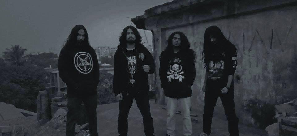 Burial Dust - Photo