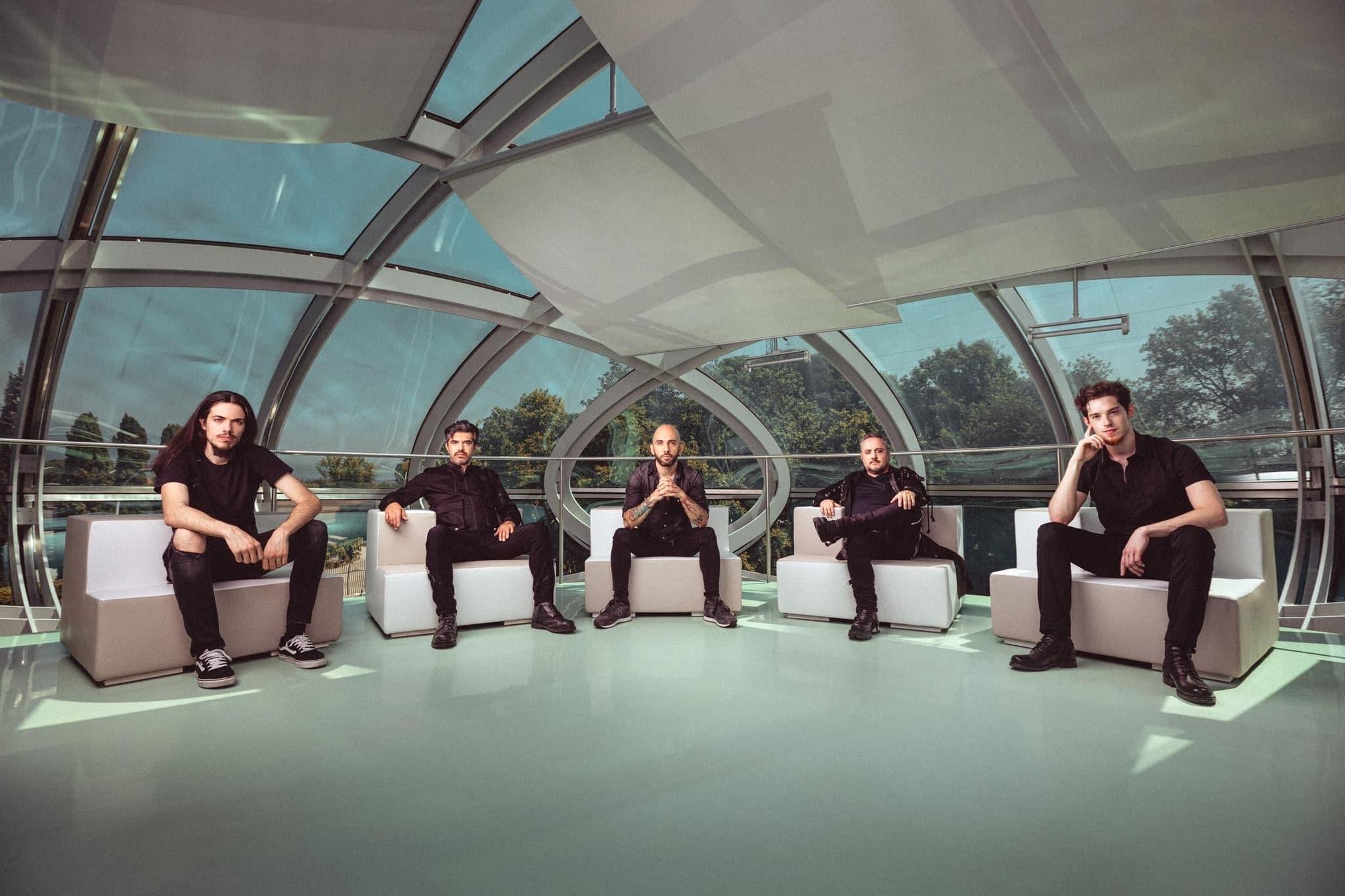 Virtual Symmetry - Photo