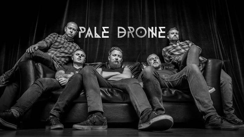 Pale Drone - Photo