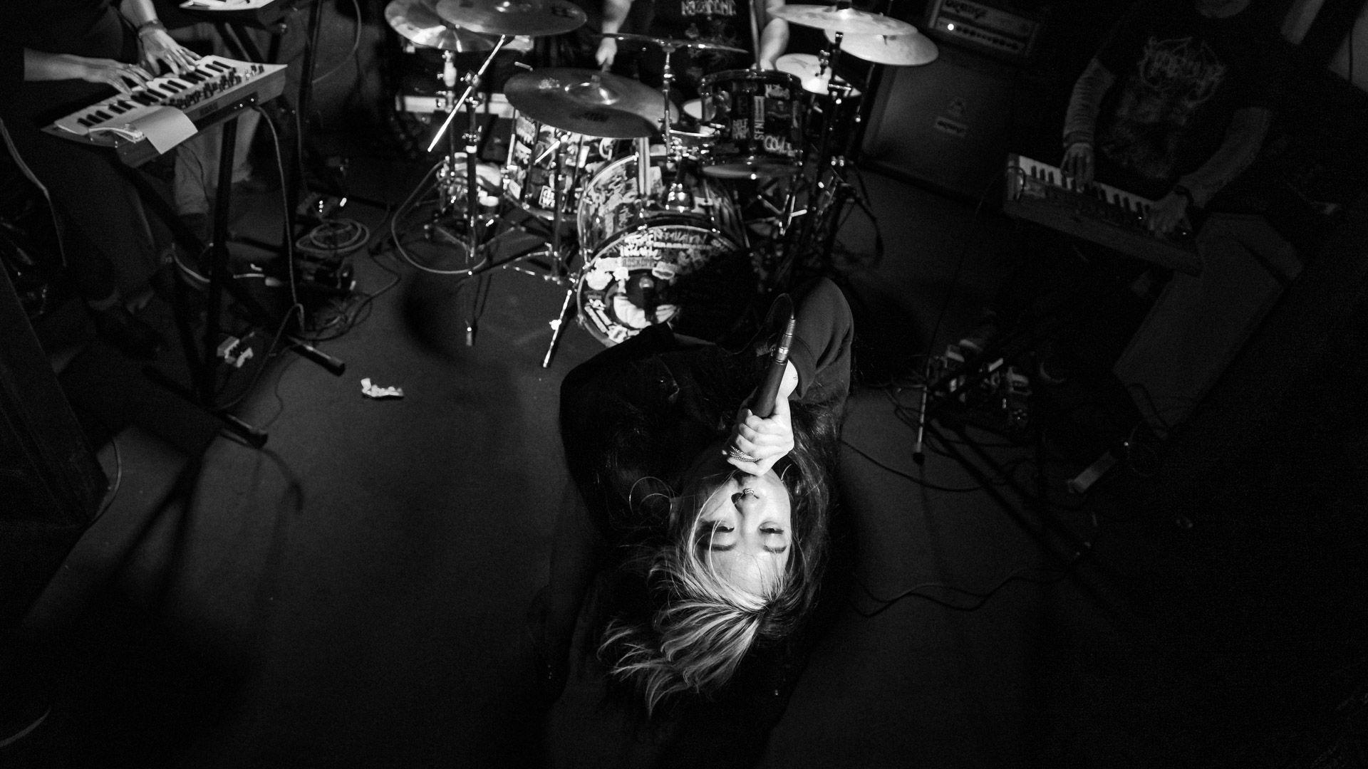 ESP Mayhem - Photo