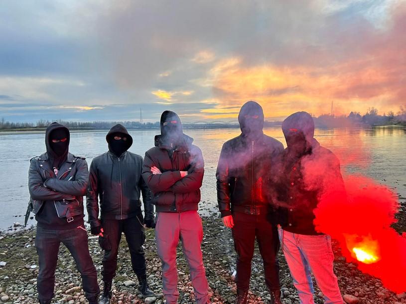 Black Raptus - Photo