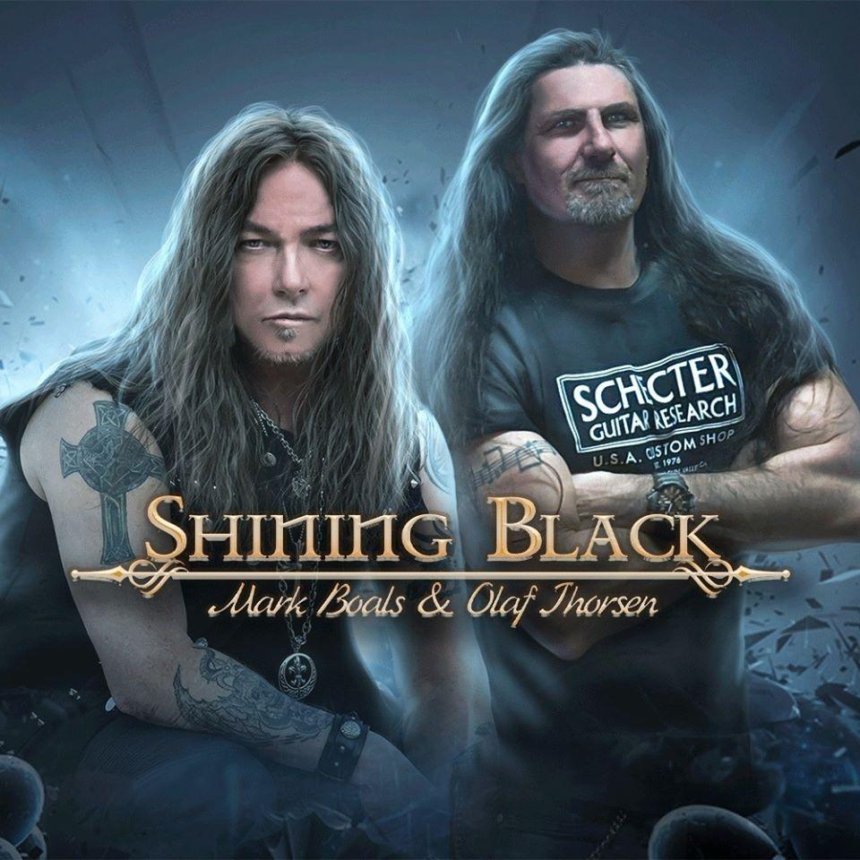 Shining Black - Photo