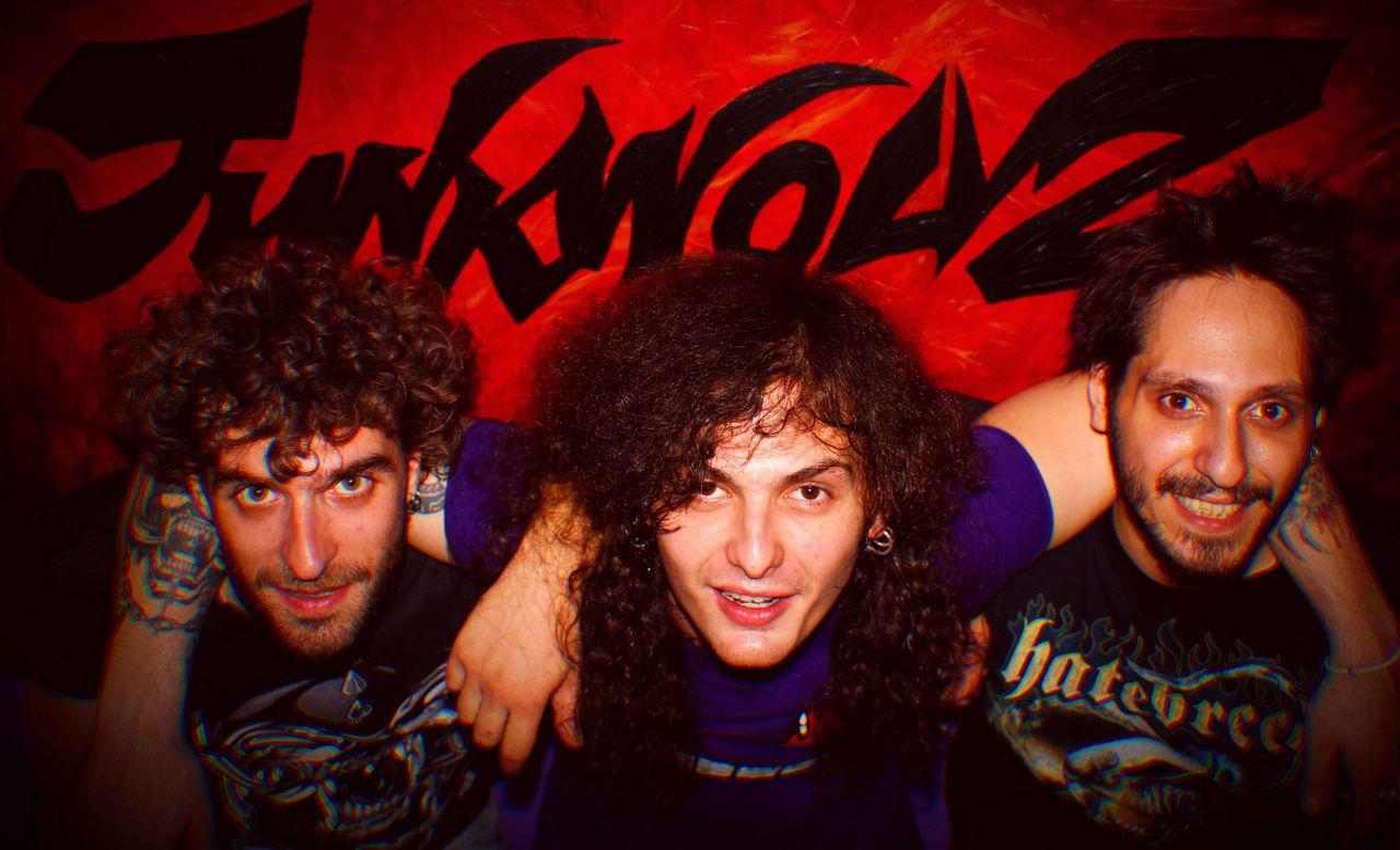 Junkwolvz - Photo