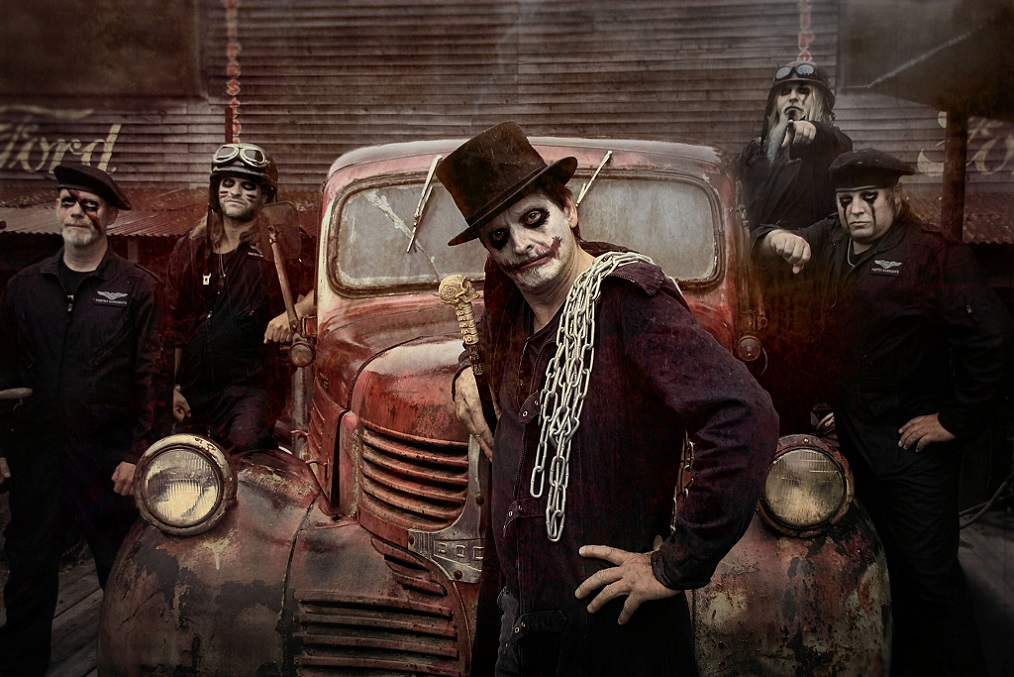 Freaks and Clowns - Photo