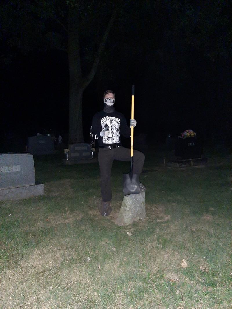 Morgue Dweller - Photo