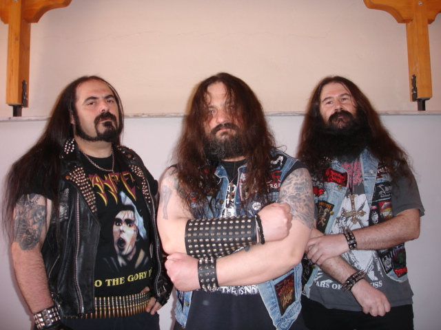http://www.metal-archives.com/images/4/3/0/4/4304_photo.jpg