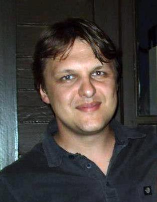Elizandro Max