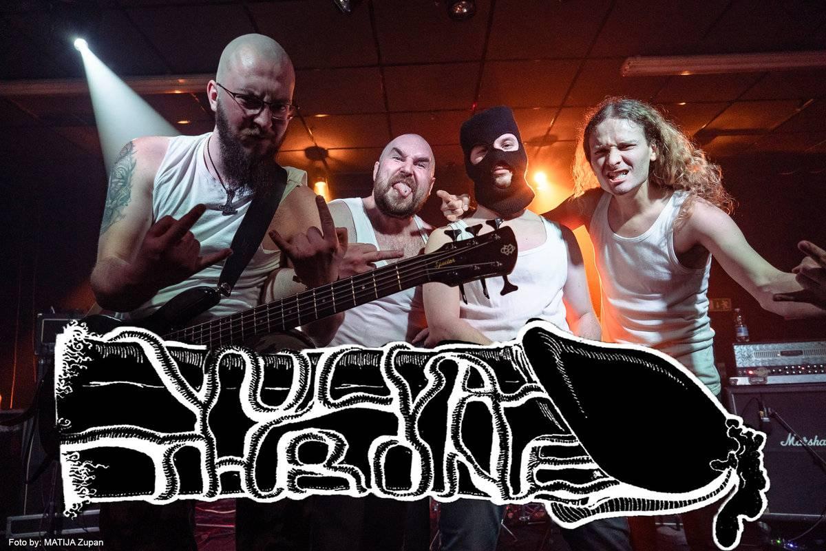 Vulvathrone - Photo