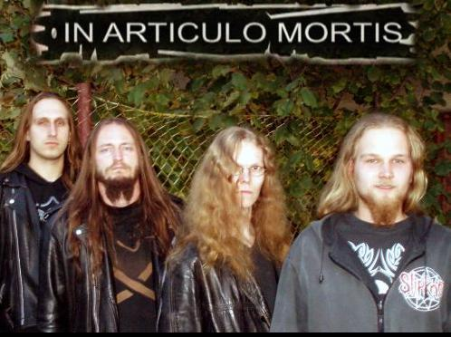 In Articulo Mortis - Photo