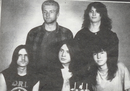 http://www.metal-archives.com/images/4/7/9/6/47967_photo.jpg