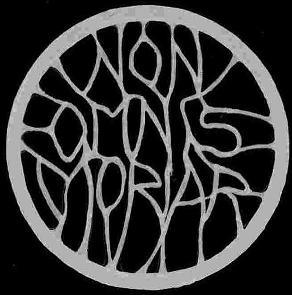 Non Omnis Moriar - Logo