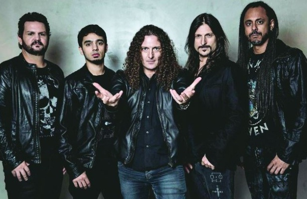 Angra - Photo
