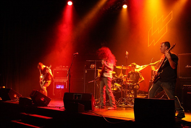 http://www.metal-archives.com/images/5/9/5/1/59516_photo.jpg