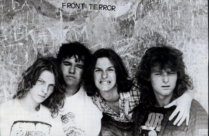 Front Terror - Photo