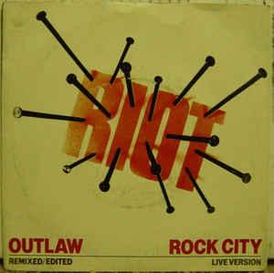 Riot V - Outlaw
