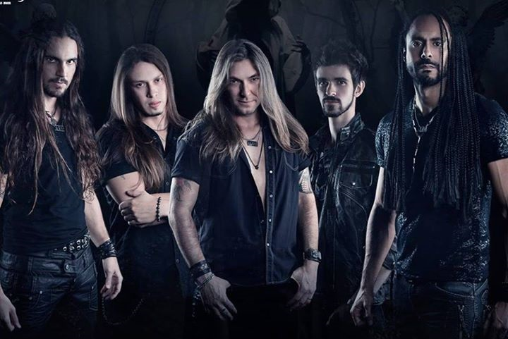 Almah - Photo