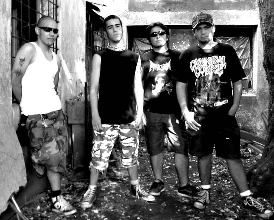 Agression - Photo