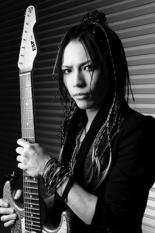 Takayoshi Ohmura - Photo