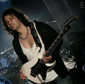 Tony Hernando - Photo