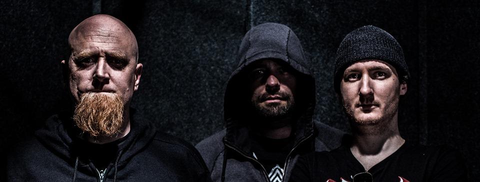 A Dark Halo - Photo