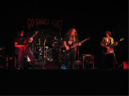 Go Smack Alice - Photo